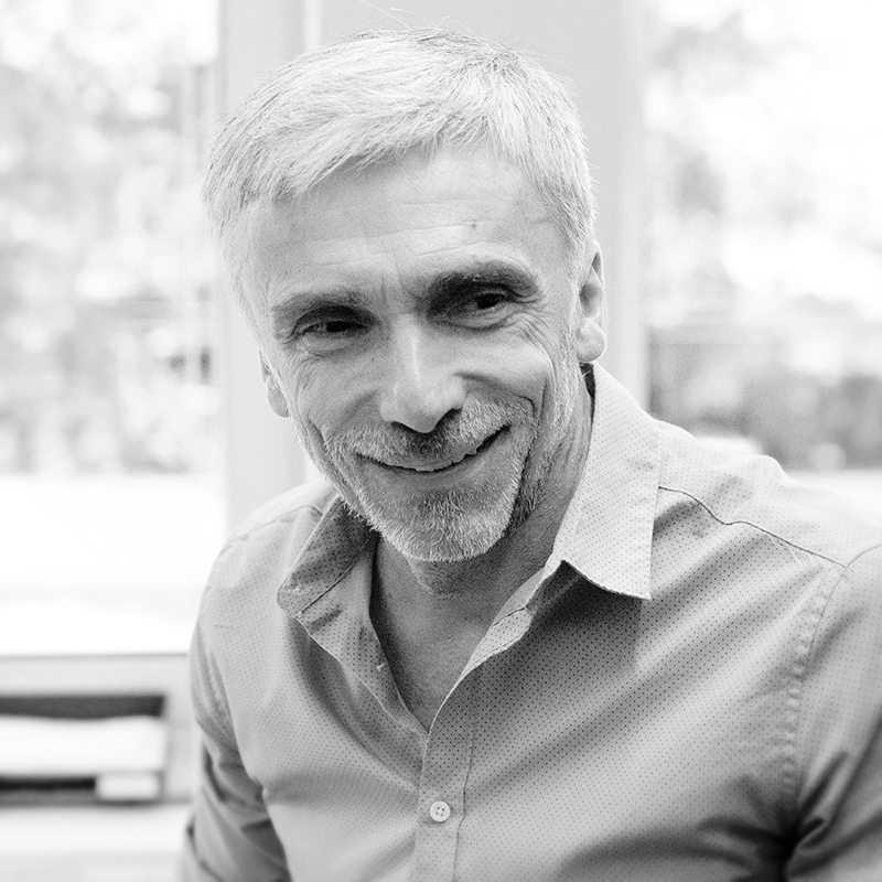 black-and-white profile picture of Andreas Speer